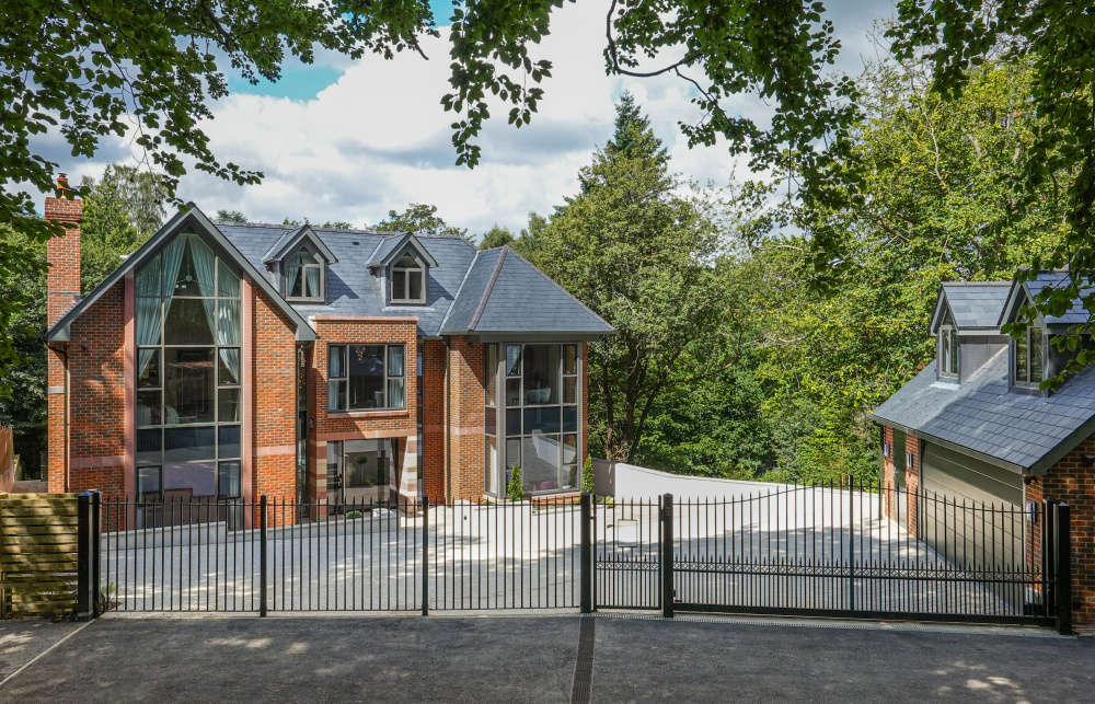 tim russ and company house for sale beaconsfiled -