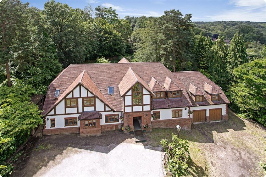 Houses for sale in Woking, Foundations 2