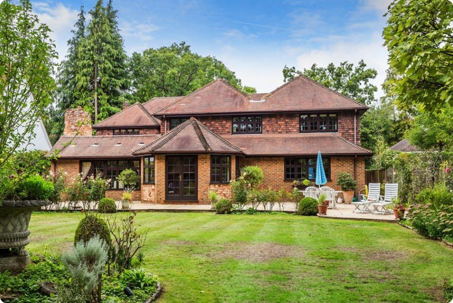 Houses for sale in Woking, Foundations 3