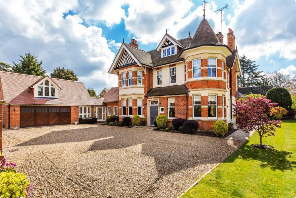 Houses for sale in Woking seymours 1