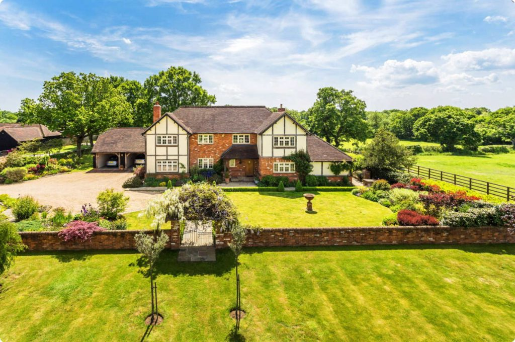 Houses for sale in Woking Seymours