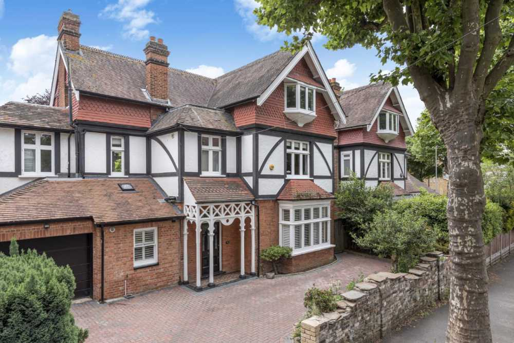 Houses for sale in Woking seymours 2