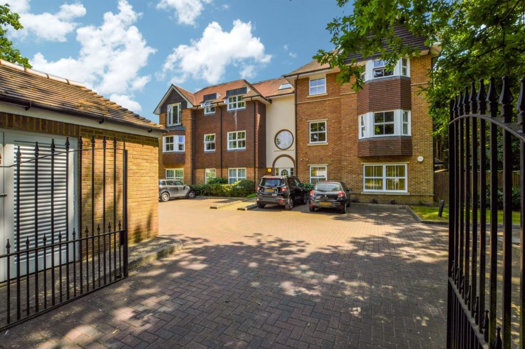 Property for sale Woking by Pilgrims 4